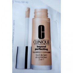 Beyond Perfecting Foundation and Concealer von Clinique