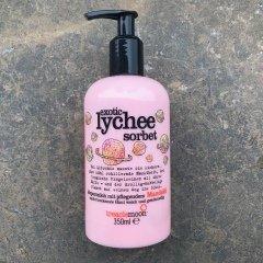 Exotic Lychee Sorbet - Körpermilch mit pflegendem Mandelöl von treaclemoon