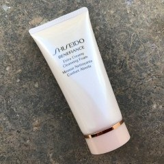 Benefiance - Extra Creamy Cleansing Foam von Shiseido