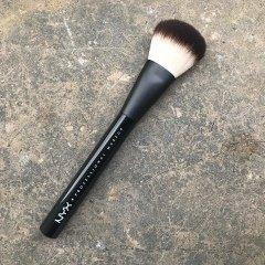 02 Pro Powder Brush von NYX