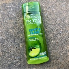Fructis - Kraft & Glanz - Kräftigendes Shampoo von Garnier
