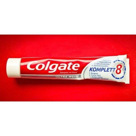 Komplett 8 Ultra Weiss von Colgate