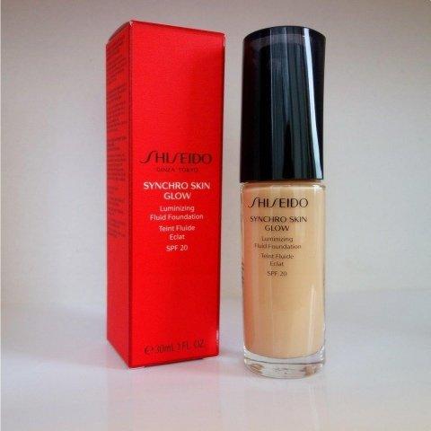 Synchro Skin Glow Luminizing Fluid Foundation SPF 20 von Shiseido