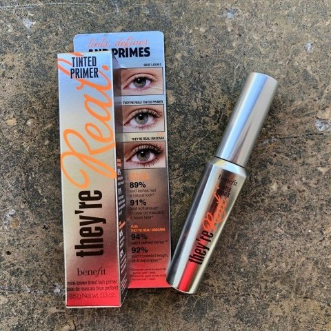 they're Real! Tinted Primer von Benefit