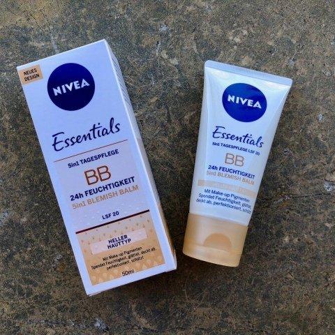 Essentials - 5in1 Tagespflege - BB 24h Feuchtigkeit LSF 20 von Nivea