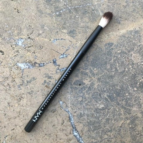 16 Pro Blending Brush von NYX