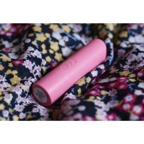 Organic Stick Lip Balm - Strawberry Sorbet von eos
