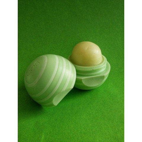 Visibly Soft Lip Balm - Cucumber Melon von eos