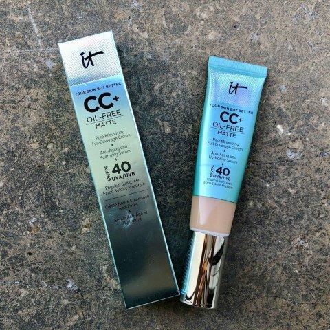 Your Skin But Better™ - CC+ Cream Oil-Free Matte SPF 40 von it Cosmetics
