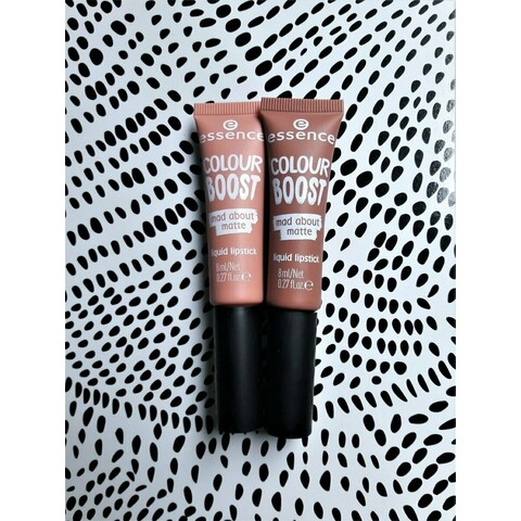 Colour Boost - Mad About Matte - Liquid Lipstick von essence