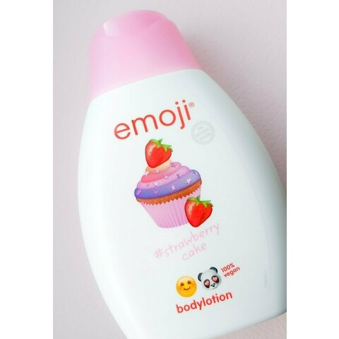 Bodylotion #strawberry cake von emoji